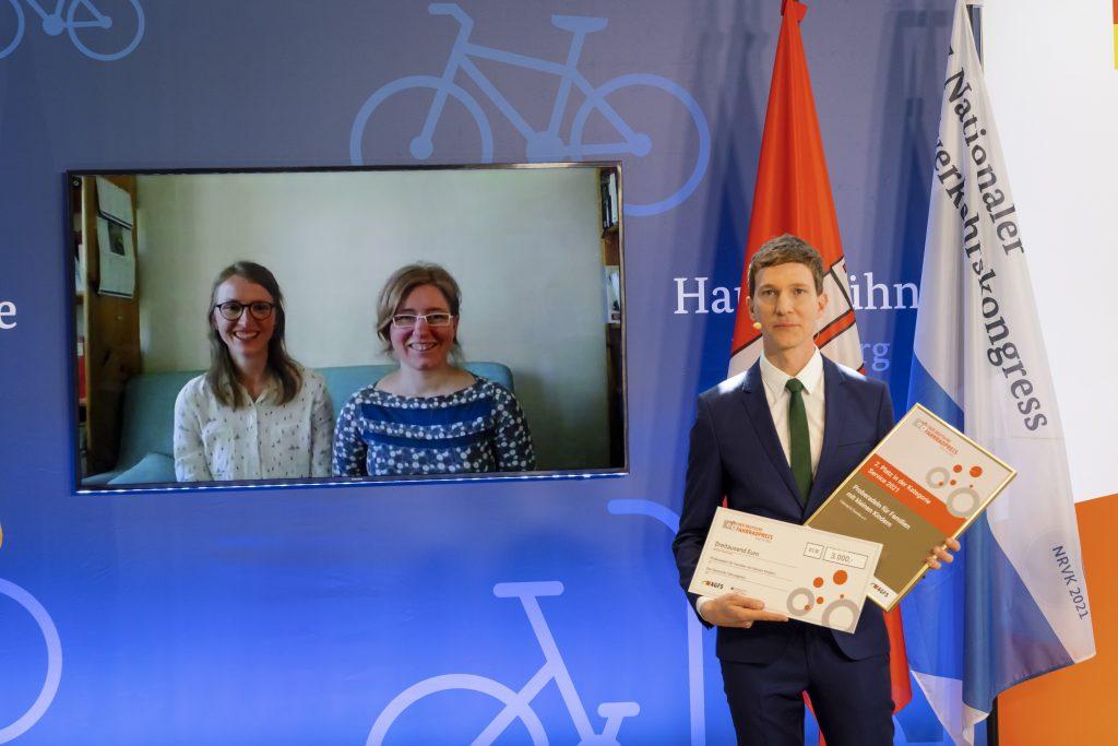 Hannah Eberhardt und Anna Gering von Fahrrad & Familie e.V.