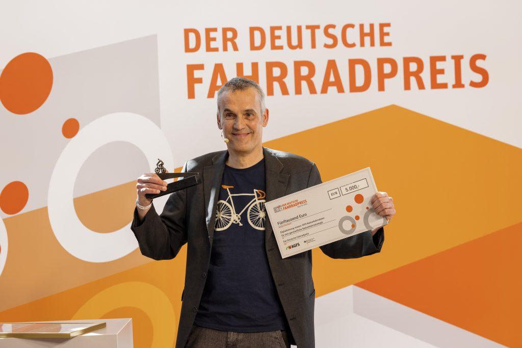Conrad Vinken (Erstplatzierte Kategorie Service) Fachbereichsleiter Verkehr der Region Hannover